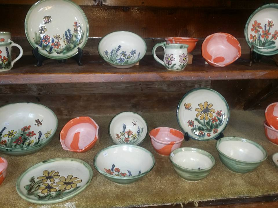 flower-pottery-with-butterflies