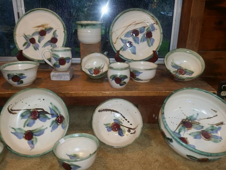 white-and-blue-pottery